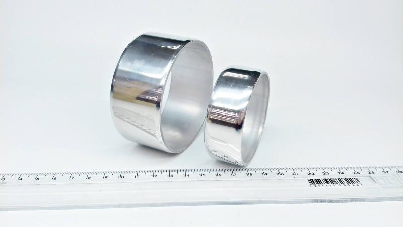 Tubo de alumínio cortado