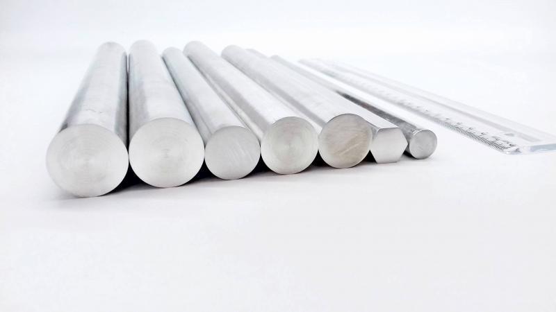 Vergalhões de alumínio trefilado